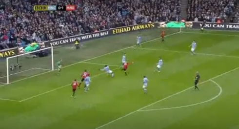 Valencia plays in Rafael who gets his cross in before Clichy has any chance to stop it and Rooney scores to make it 2-0.